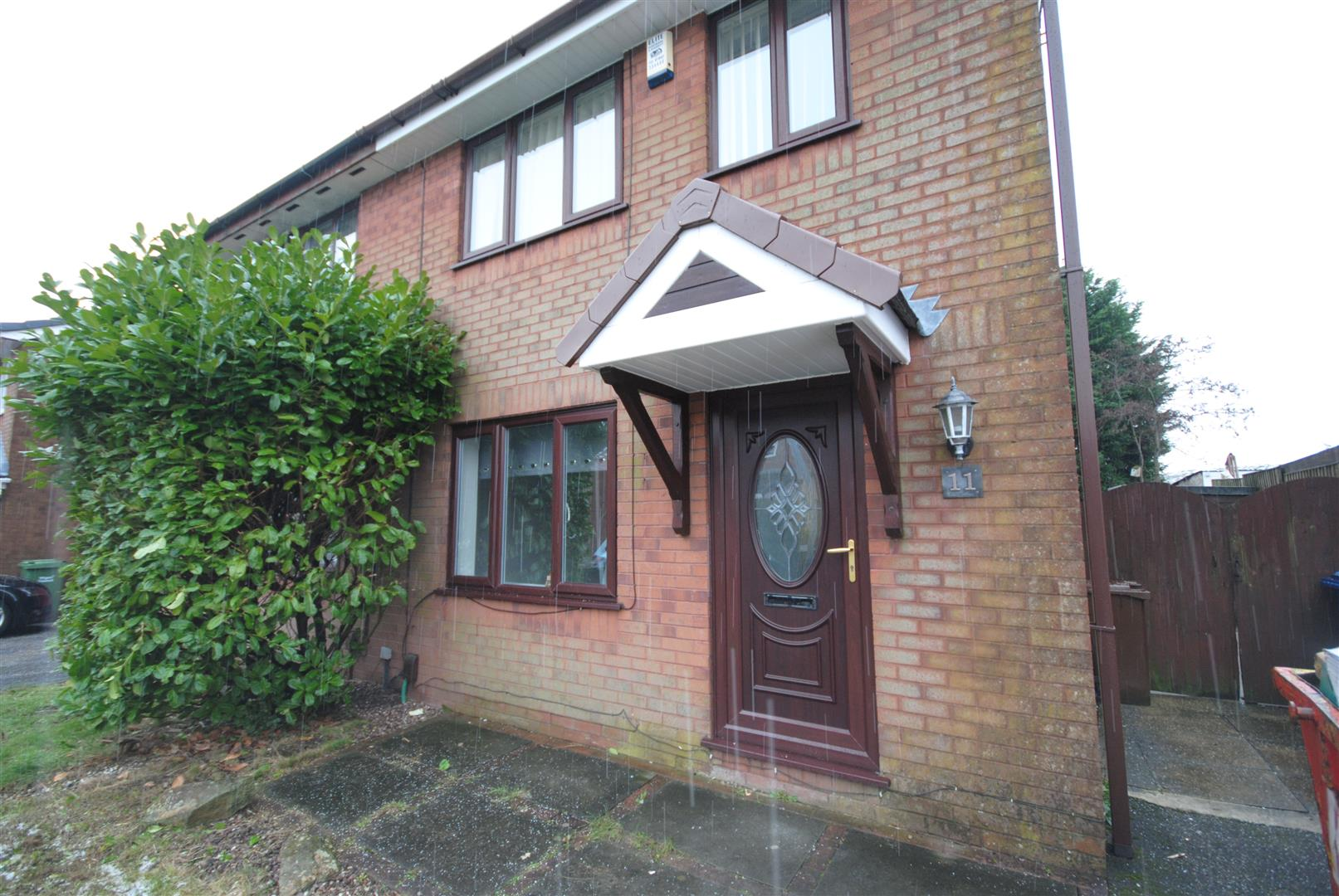 3 Bedrooms Semi Detached House for sale in Shakespeare Grove, Wigan
